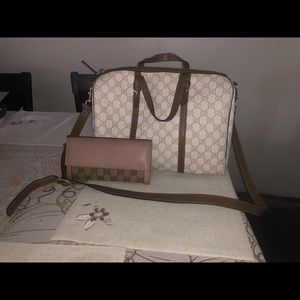 Gucci too handle bag with wallet!